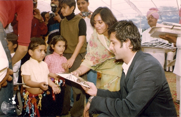 Mr.Fardeen Khan with the children
